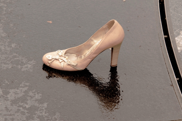 トラップホールにハマったドロドロの靴