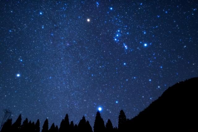 冬がはじまるよ いつから 星