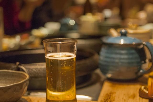 忘年会スルー ビール 酒