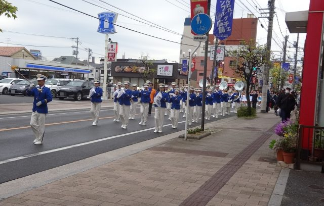 桜パレード 鼓笛隊